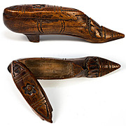 """Antique French or Brittany Hand Carved Shoe Snuff Box, Excellent Petit 4"""""""