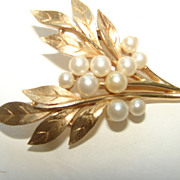 Trifari Leaf Spray brooch Fau Pearls