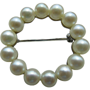 Vintage 18 Kt Italian White Gold And 14 Cultured Pearl Circle Pin