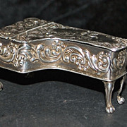 "English Sterling ""Grand Piano"" Pill Box"