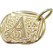 Vintage 18k Gold Pendant / Charm ~ Initial A, Insignia
