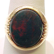 Vintage Gents Bloodstone / Heliotrope Ring 14K Gold circa 1950-60's