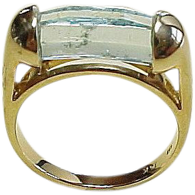 Vintage Hexagonal Crystal AQUAMARINE Ring 14k Gold