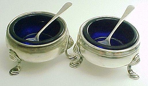 Item ID: KD pair colbolt blue open salt In Shop Backroom