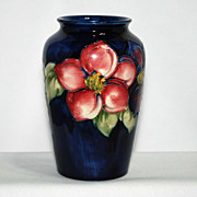 Moorcroft vase – clematis