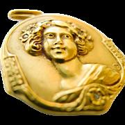 Art Nouveau Locket - Beautiful 18kt Gold & Diamond  - Circa 1900