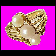 14K GOLD Lovely Dainty Cultured Pearl Ring