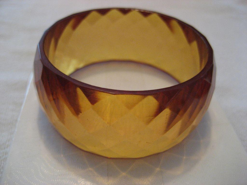 Bakelite Faceted Honey Vintage Bracelet