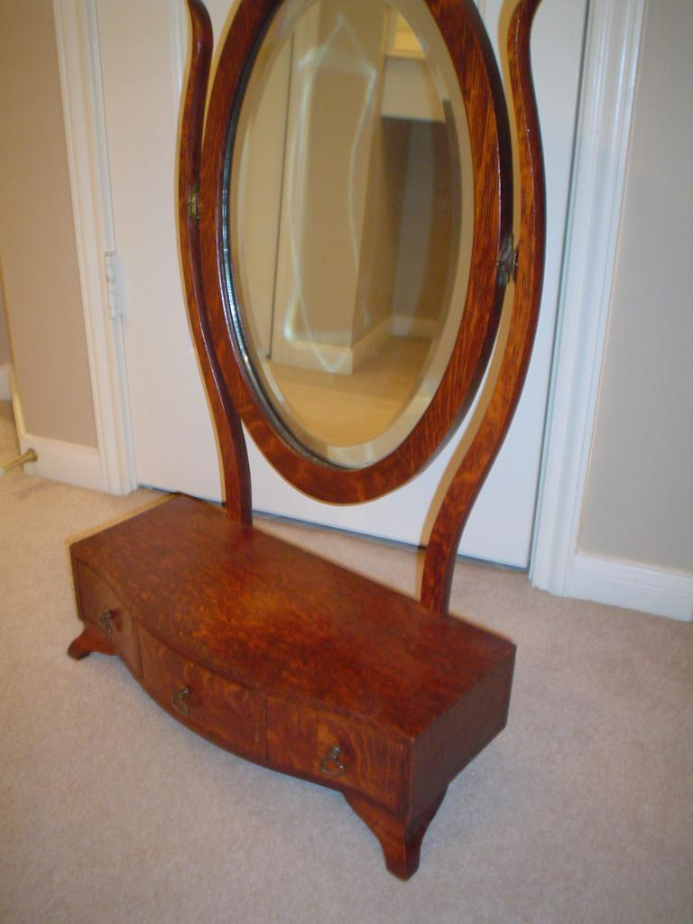 Quartersawn Oak Dresser Mirror