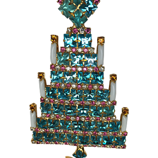 Beautiful Christmas tree Brooch by Dominique