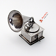 Dutch Phonograph Model 833 Standard Silver 1920