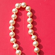 "Vintage 7 1/2"" Hand Knotted Faux Pearl Bracelet"