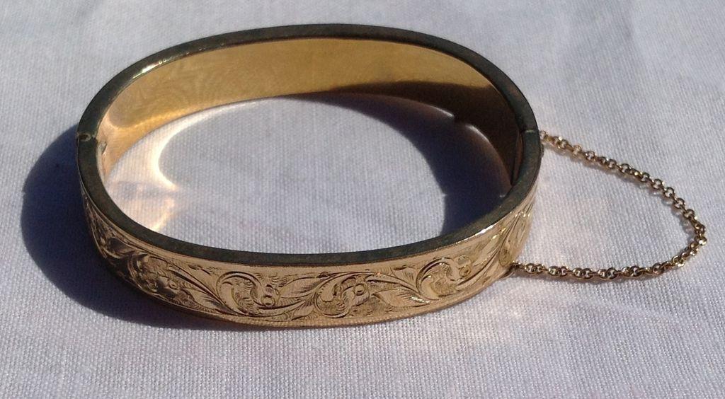 Vintage Gold Filled Child's Hinged Bangle Bracelet