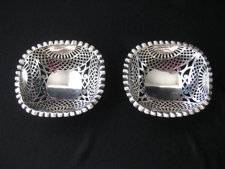 Vintage Signed Pair of William Comyns & Sons Sterling Silver Bowls