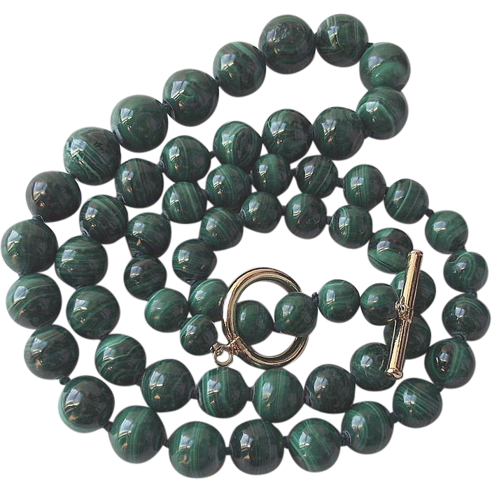 Graduated Malachite Bead Necklace with Toggle Bar Clasp