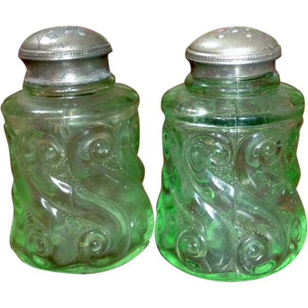 Northwood S Repeat Light Green With Original Shaker Tops Salt and Pepper