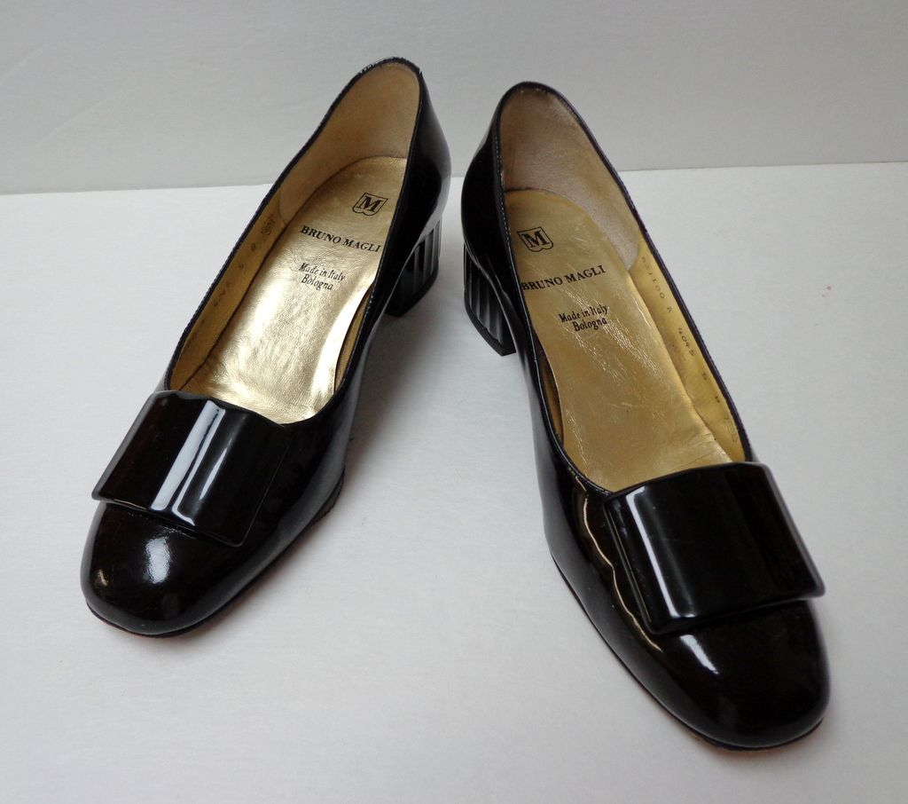 """Bruno Magli Shoes.  Italian designer. 1 ½"""" heel. Black Patent Leather. Size 5  B.  Quality ++!  Mint condition."""