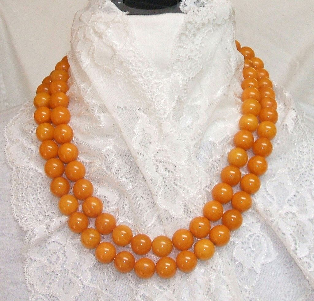 """Bakelite Necklace. 50"""" Long Butterscotch Swirl! INCREDIBLE! Mint condition!"""