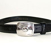 LIZ CLAIBORNE  Black Genuine Leather Belt.  Medium size.  Signed.  Mint, As New, Condition.