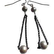 Trapeze Earrings: Gray Freshwater Cultured Pearls with Black Chain