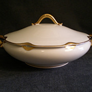 """Charles Haviland & Co. Limoges """"Silver Anniversary"""" Round Covered Vegetable Tureen -"""