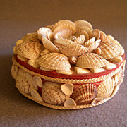 SOLD Vintage Folk Art Seashell Trinket/Jewelry Box