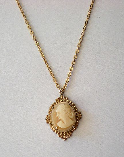 Delicate Cameo Pendant on 18 Inch Chain