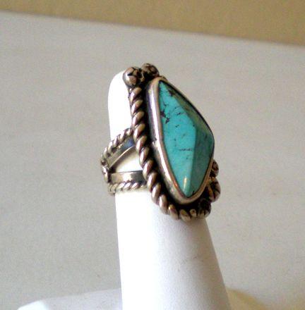 Striking Vintage American Indian Ring Silver & Turquoise
