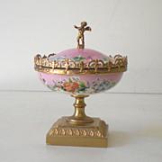 Gorgeous Lidded  Victorian Powder Box w/ Cherub