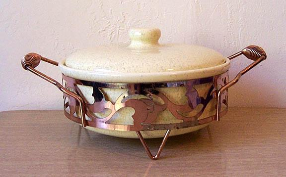Vintage BAUER California Pottery Casserole, Lid & Metal Holder