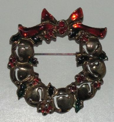 Lovely Vintage Christmas Enameled Wreath with Bells