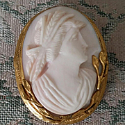 SALE Sweet 10K Pink Conch Shell Cameo Goddess Ceres Demeter Brooch Pendant 18.4 grams
