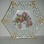 Rose  bowl w/ lacy open weave edge