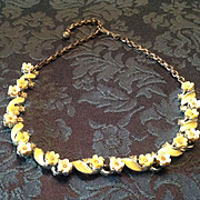 Vintage yellow enamel necklace with flowers and rhinestones