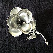 """Celebrity N.Y. """"Weeping silver"""" flower pin"""