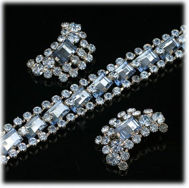 Item ID: Bl-Br-Earrings In Shop Backroom