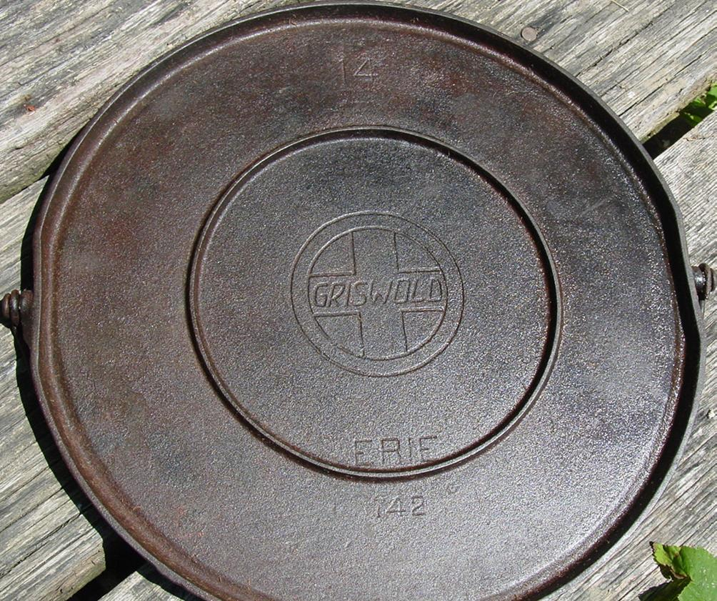 Griswold Erie Bail Handle Round Griddle #742 Cast Iron No.14 Slant Logo inset ring