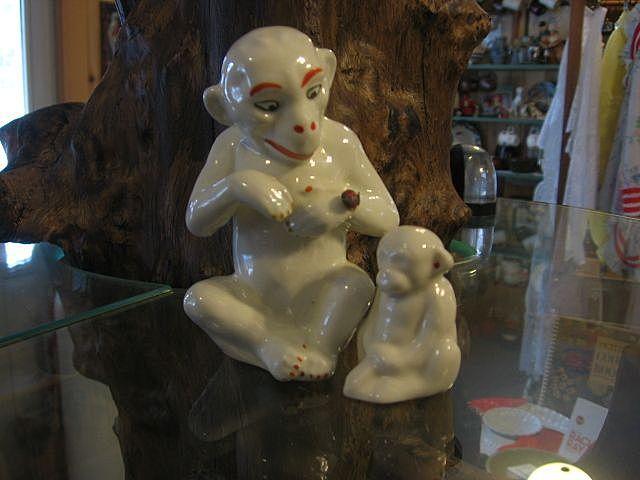 """1950""""s Czechoslovak Pottery Monkey Set"""