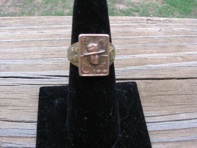 Rare 1938 Dick Tracy Good Luck Secret Compartment Ring