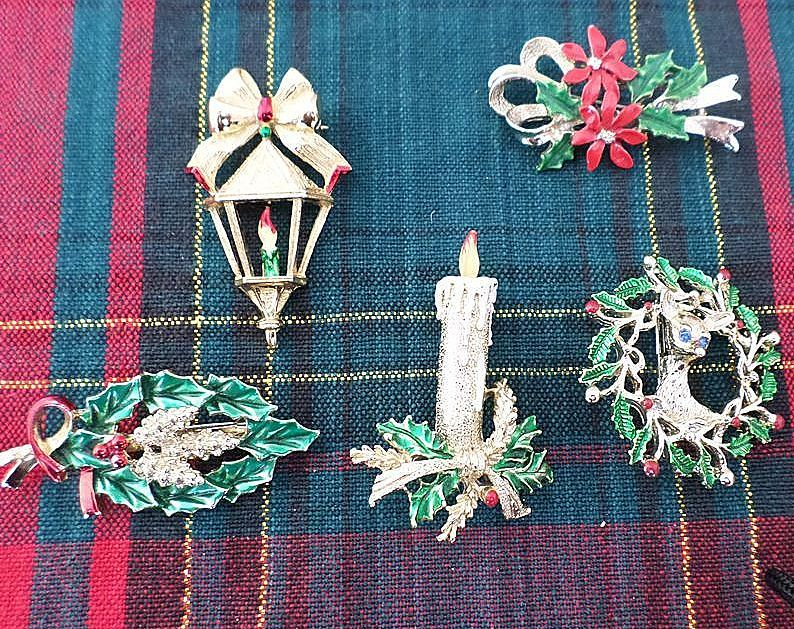 Signed Gerry's Christmas Pin Set
