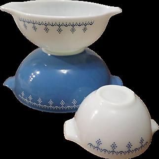 SALE Pyrex Snowflake Garland Cinderella Bowl Set Of Three