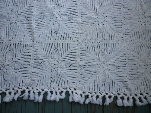 Lovely Pineapple Crochet Throw or Small Spread
