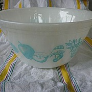 """Federal Glass Fruit Fare Turquoise on White 9"""" Mixing Bowl"""