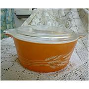 Pyrex Cinderella Autumn Harvest Casserole Dish with Lid. 474-B