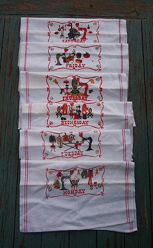 Old Fashioned Days of the Week Vintage Kitchen Towel Set
