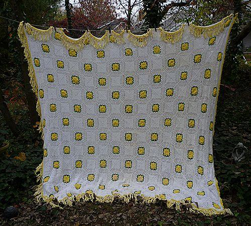 Irish Roses Yellow Green White Handmade Crochet Bedspread Queen
