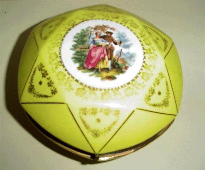 Yellow Medallion  Covered Dish