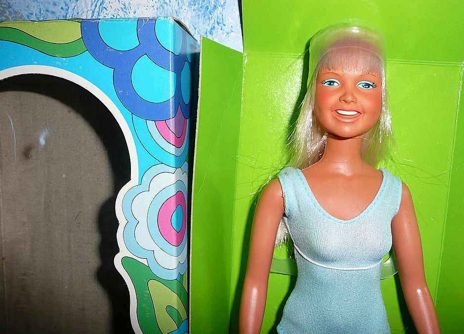 1975 Kenner 'DUSTY Doll' *New in Box