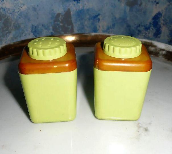 STERILITE Green Chartreuse Plastic Set of Shakers