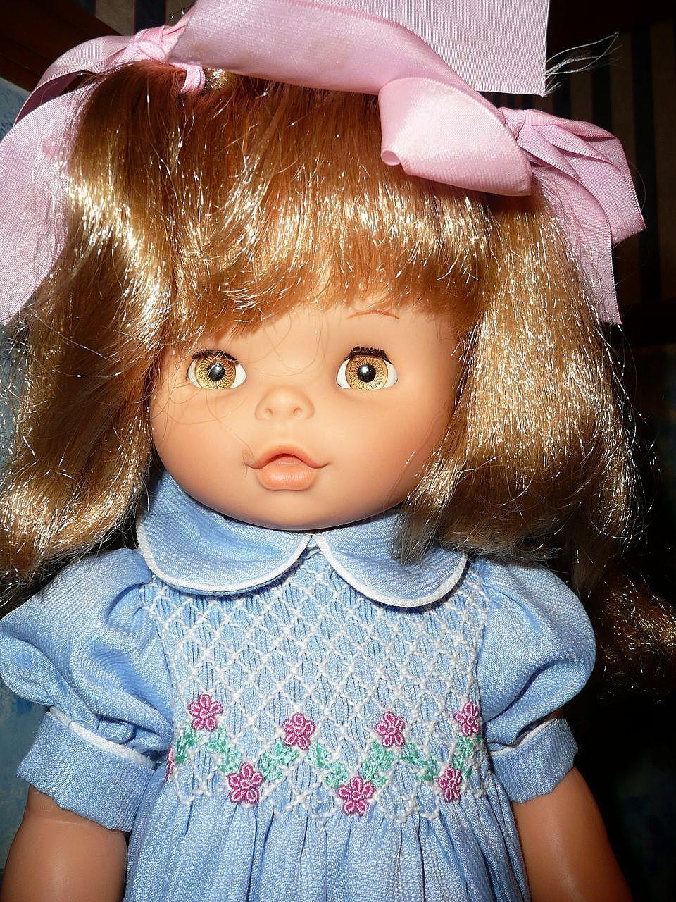 "Beautiful 1976 'Famosa' 18"" Doll from Spain"